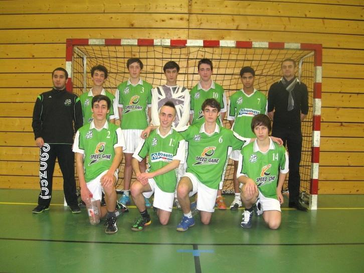 Les -18 garçons En haut: Nicolas, Mathis, Clément, Matthieu, Maxime et Baptiste En bas: Thomas, Charles, Yoann et Valentin