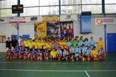 L'ensemble des participants (à gauche en noir, nos deux jeunes arbitres Vincent et Erwan)